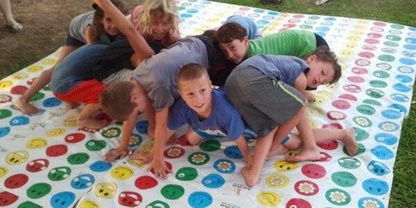 יום הולדת לגיל 9, כיף לשחק יחד