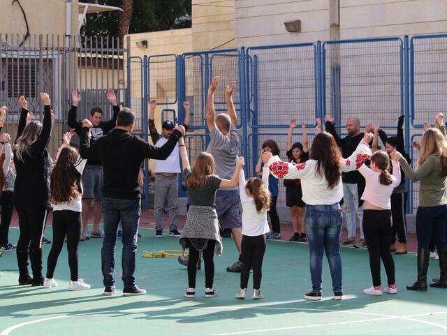 הפעלות הורים וילדים, בבתי ספר, בקיבוצים ובעצם, לכל מטרה